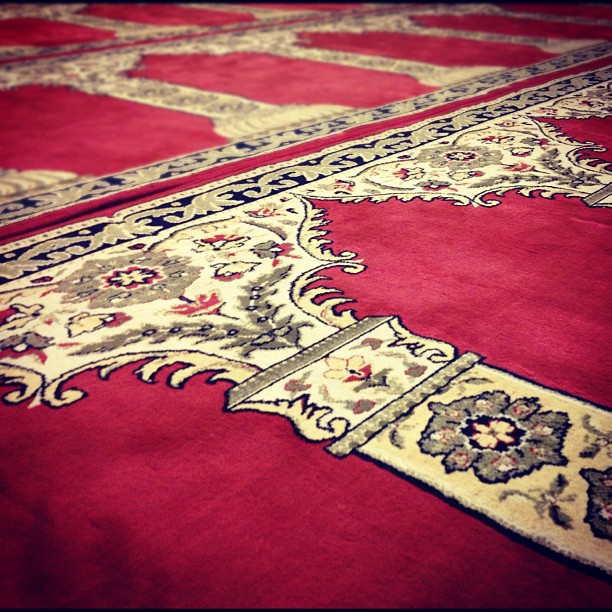 red carpet masjid 2